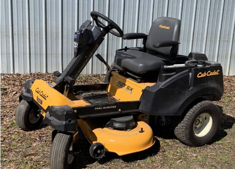 Cub cadet RZT SX 42 zero turn mower with steering wheels